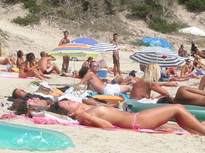 запрещен нудизм на пляже